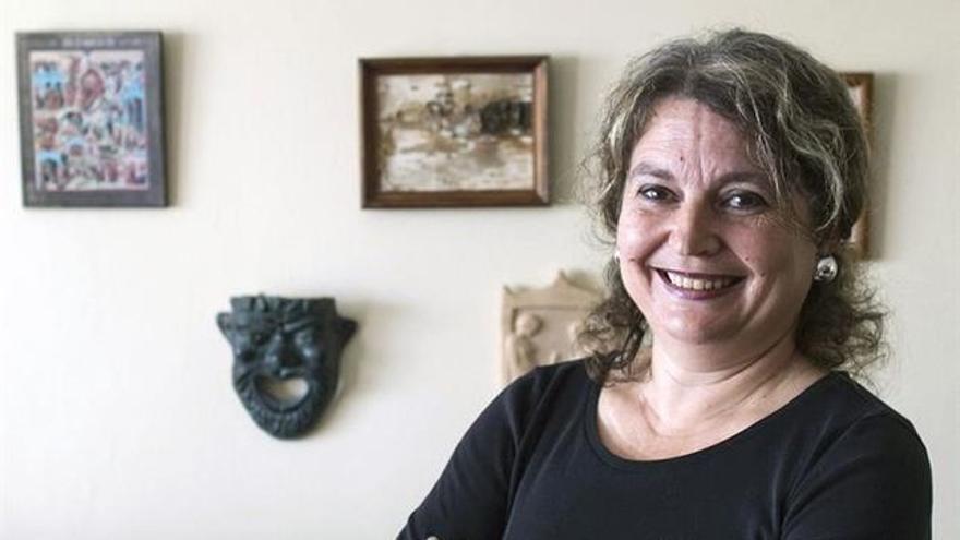 María Elvira Roca Barea es escritora, y profesora.