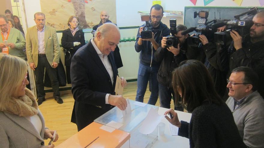 Fernández Díaz confía en que el PP pueda formar Gobierno con una mayoría estable