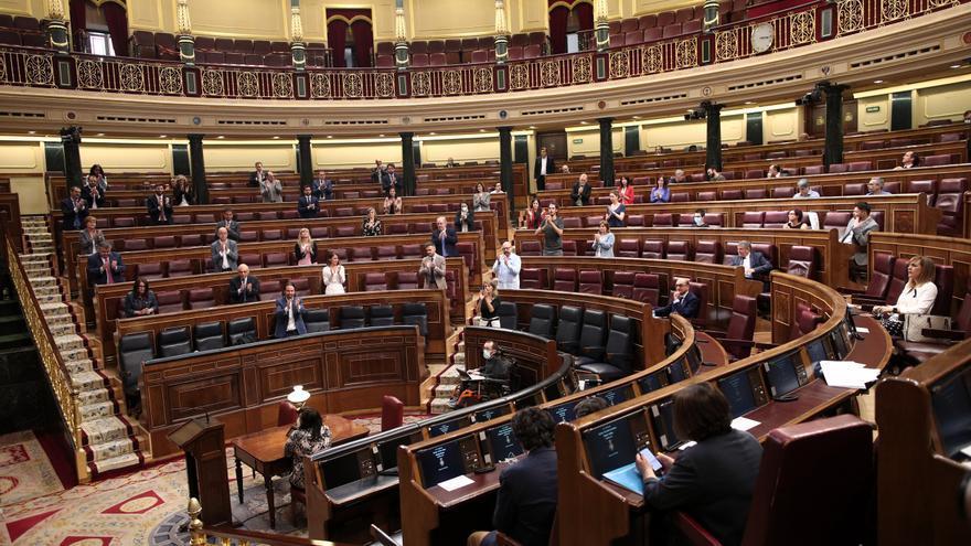 Aplausos durante el Pleno que aprobó el Ingreso Mínimo Vital.