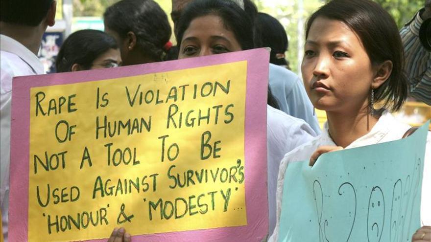 Una mujer muere tras ser quemada viva por resistirse a una violación en India