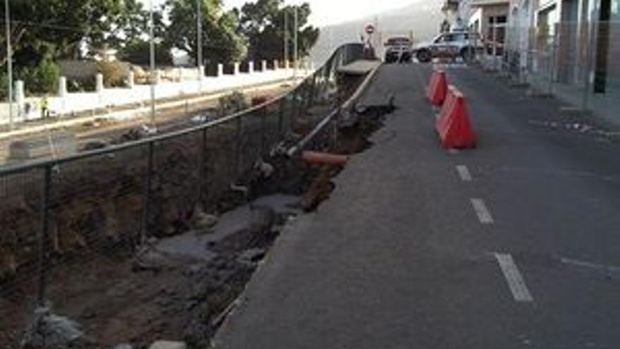 Estado de la calle en la que se produjo el derrumbe.
