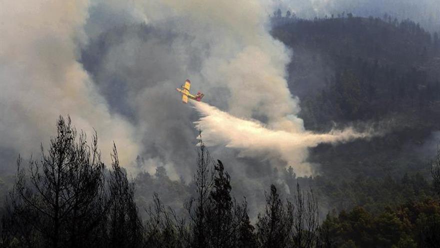 Un helicóptero georgiano que extinguía un incendio forestal se estrella en un río