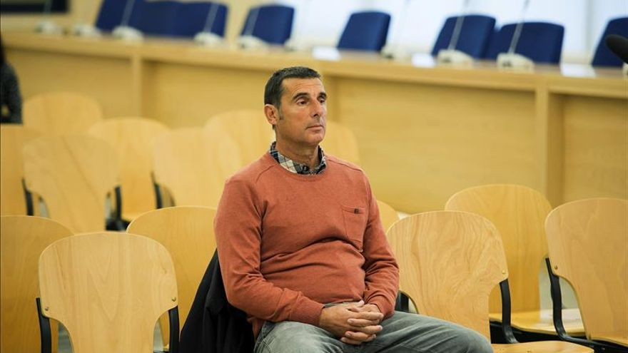 Juzgan a una pareja de etarras huidos por matar al catedrático Manuel Broseta