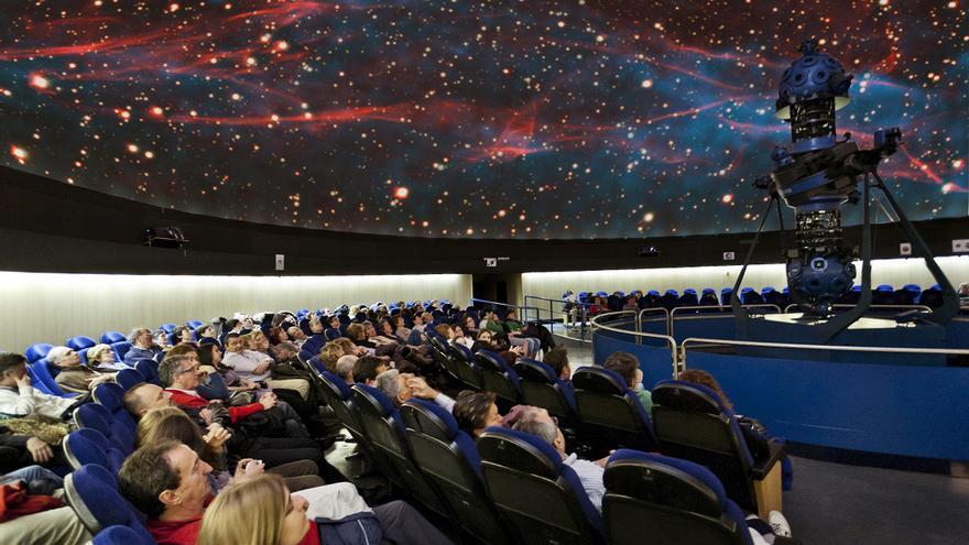 Sesión en el Planetario de Pamplona.