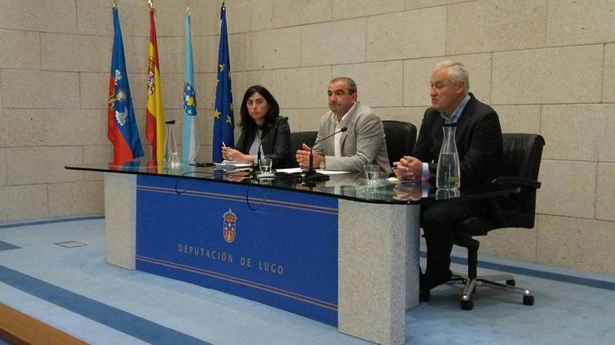 Elena Candia, Darío Campos y Manuel Martínez, este lunes ante la prensa