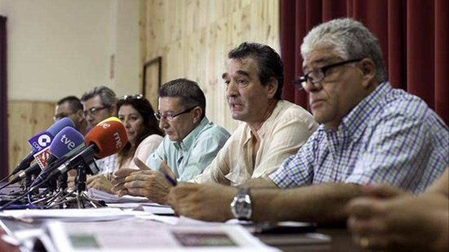 Mesa negociadora de CCOO en el convenio provincial de hostelería / Ramónn de la Rocha, EFE