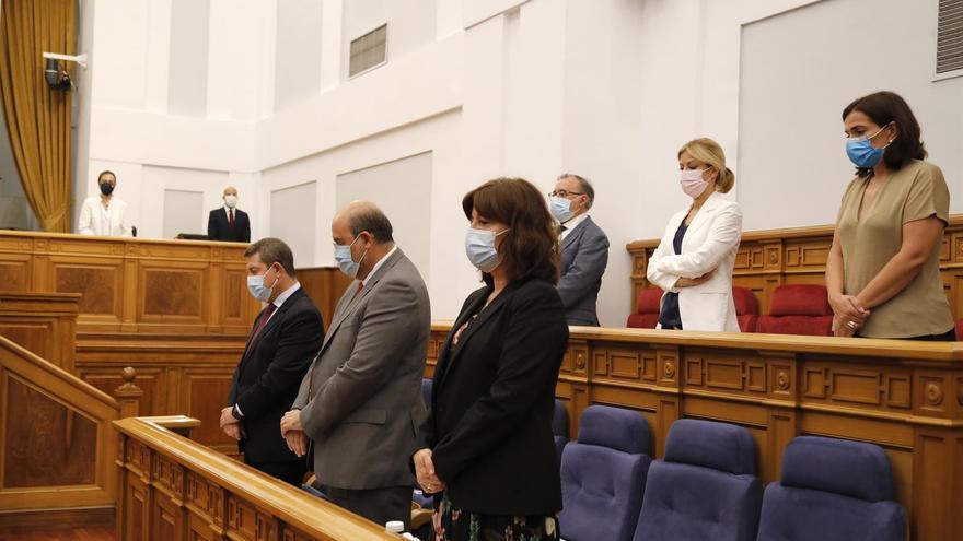 """Junta y agentes sociales negocian la orden de teletrabajo, que se hará pública """"si no en septiembre, en octubre"""""""