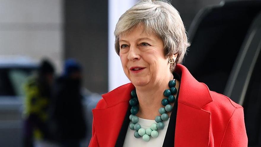 """May reúne al Gobierno en plena ofensiva para impulsar su acuerdo de """"brexit"""""""