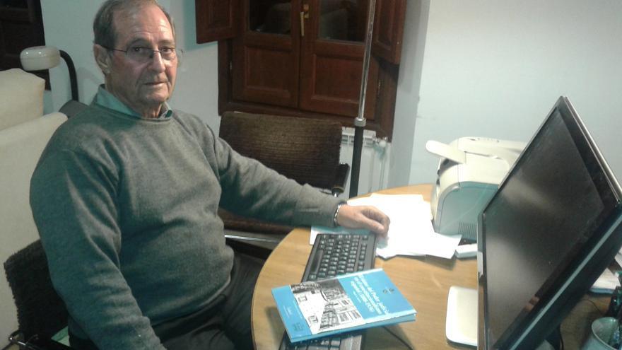 El catedrático de Derecho Miguel Ángel Aparicio, plagiado por el rector Fernando Suárez