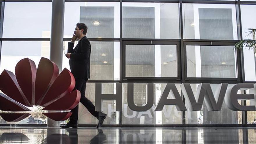 Huawei, investigada en EEUU por negocios con Irán y Siria, dice ceñirse a la ONU