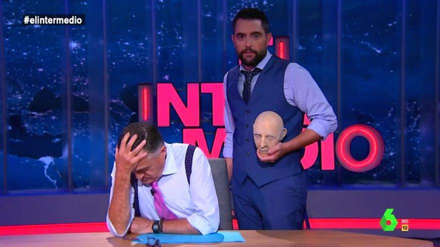 El Intermedio, con la cabeza decapitada de Franco en manos de Dani Mateo