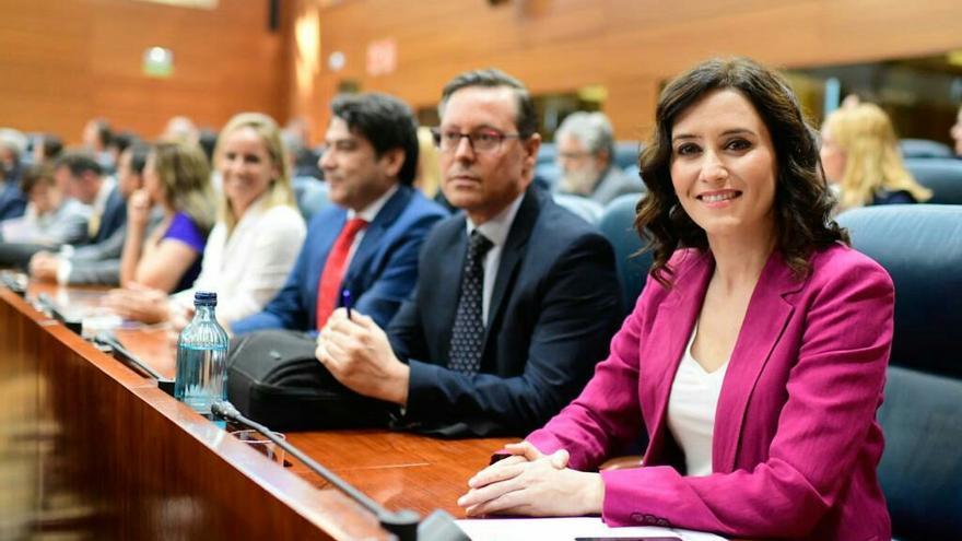 La bancada del PP en la Asamblea de Madrid, con Isabel Díaz Ayuso en primer plano. / PP