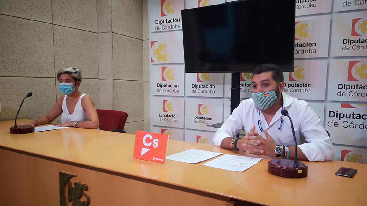 Los diputados de Cs en la Diputación de Córdoba, Erika Nevado y Miguel Castellano.