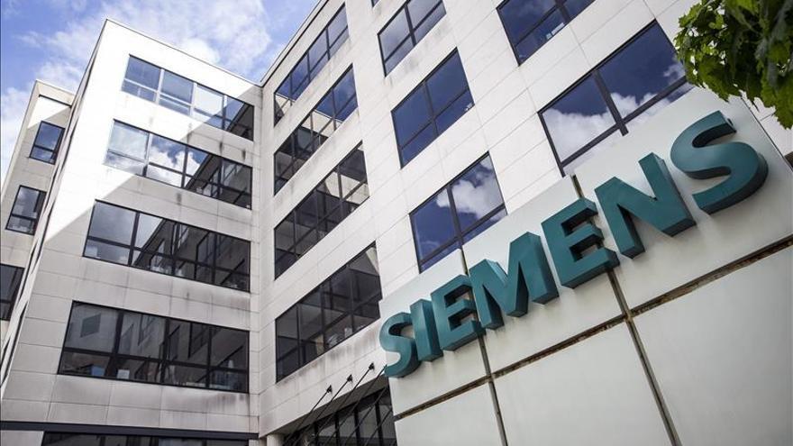 Siemens recorta 4.500 empleos más por dificultades en el mercado electricidad