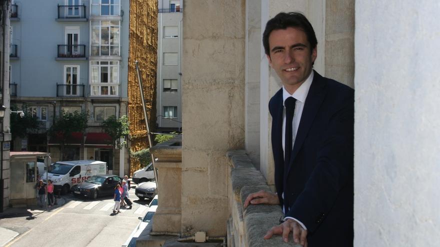 """PSOE lamenta que Santander va a Fitur sin imagen de marca ni proyecto, pero con una web """"mal traducida"""""""