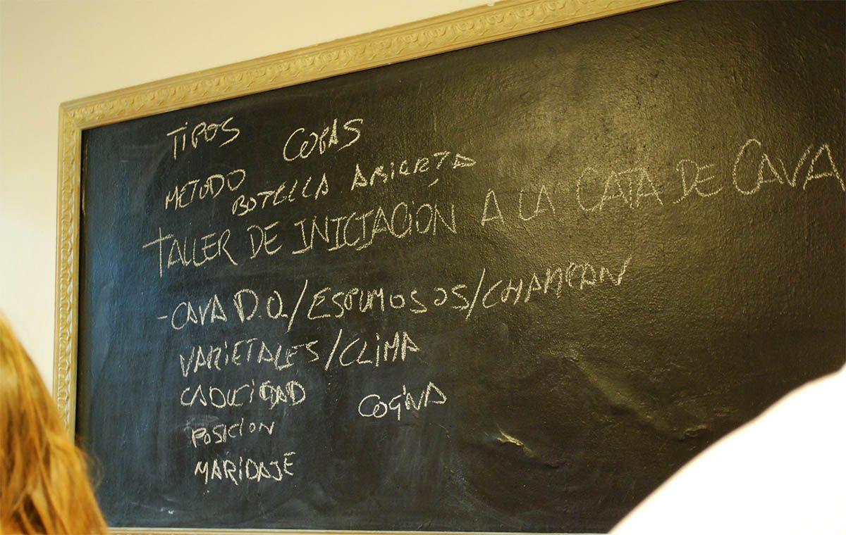 Pizarra_iniciación a la cata_La Cava de la Villa_Malasaña a mordiscos
