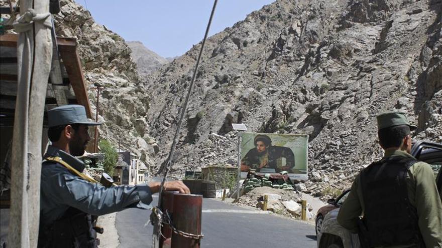 Las carreteras de Afganistán, en pésimo estado tras inversión multimillonaria