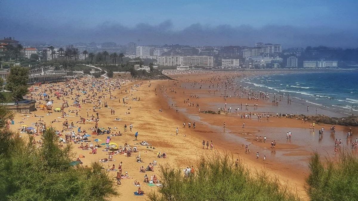 Playa del Sardinero en Santander este fin de semana.