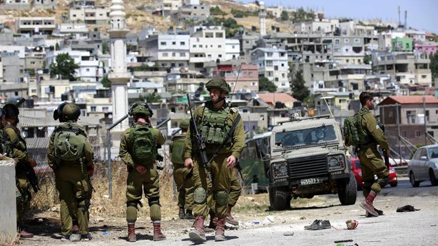 Fuerzas israelíes niegan su participación en la muerte de un menor palestino