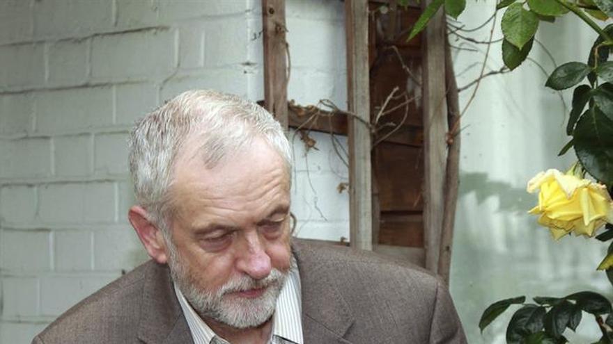 """Corbyn anuncia nuevos nombramientos en su """"gabinete"""" tras la ola de dimisiones"""