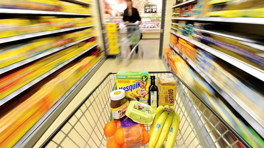 Los consumidores españoles mejoran su valoración de la situación actual