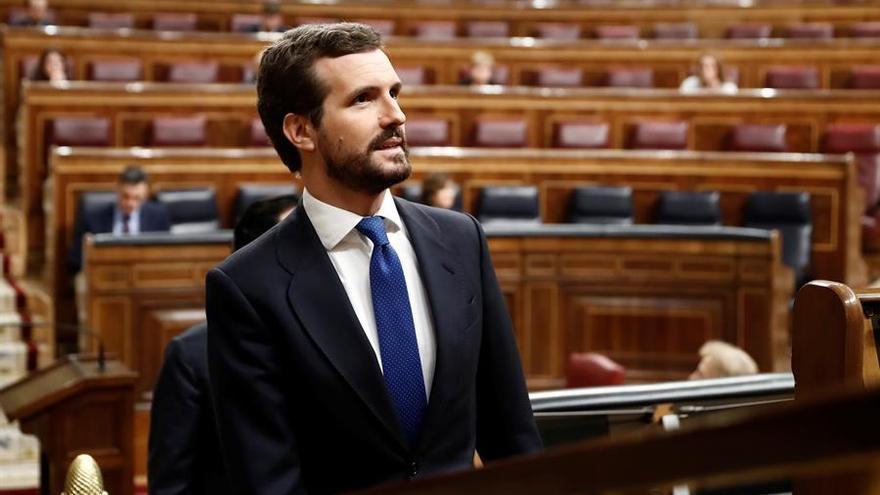 El presidente del Partido Popular, Pablo Casado, asiste al pleno del Congreso donde Pedro Sánchez explica las medidas para paliar las consecuencias de la pandemia provocada por el coronavirus, en Madrid (España), a 18 de marzo de 2020 / Europa Press