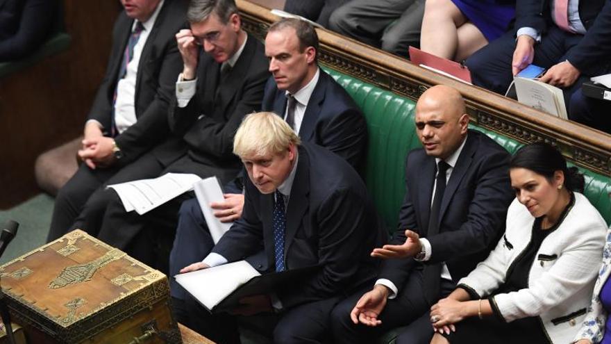 """Johnson dice que ha llegado """"finalmente el momento"""" de apoyar el """"brexit"""""""
