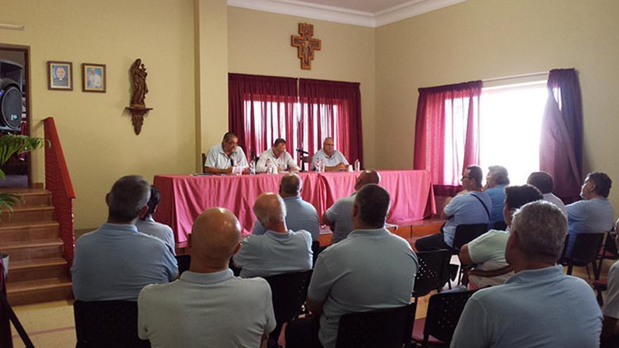 Asamblea convocada por la Asociación de Titulares de Licencias de Autotaxi de Canarias en Las Palmas de Gran Canaria.