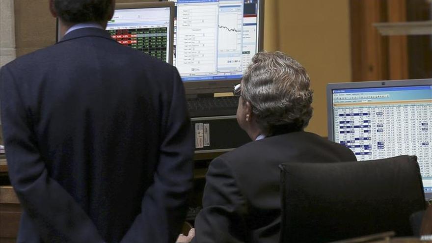 El IBEX recupera un 0,06 % y 11.400 puntos a mediodía por los buenos datos macro