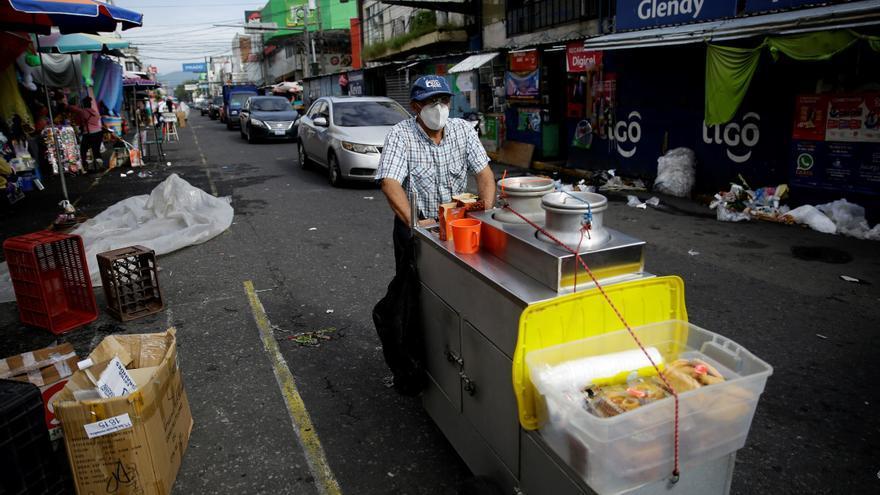 El Salvador establece nuevas fechas para abrir la economía mientras bajan los casos