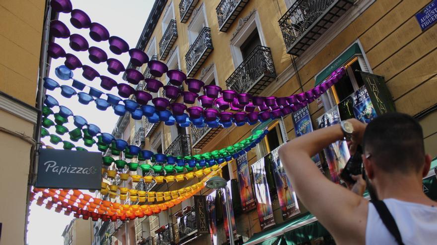 Decoración del Orgullo 2019 en la C/ Augusto Figueroa   SOMOS CHUECA