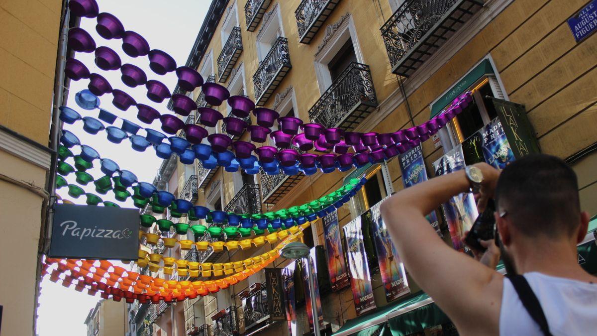 Decoración del Orgullo 2019 en la C/ Augusto Figueroa | SOMOS CHUECA