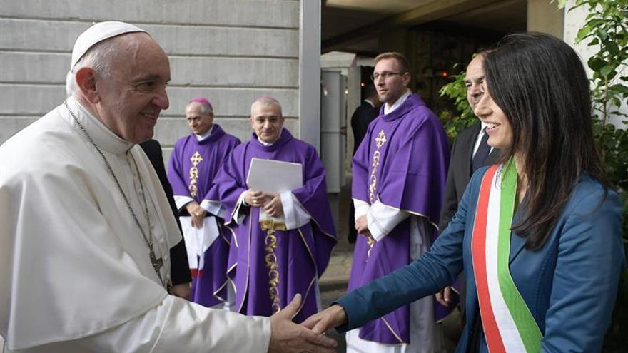 El Papa insta a recordar a los difuntos con la esperanza de la resurrección