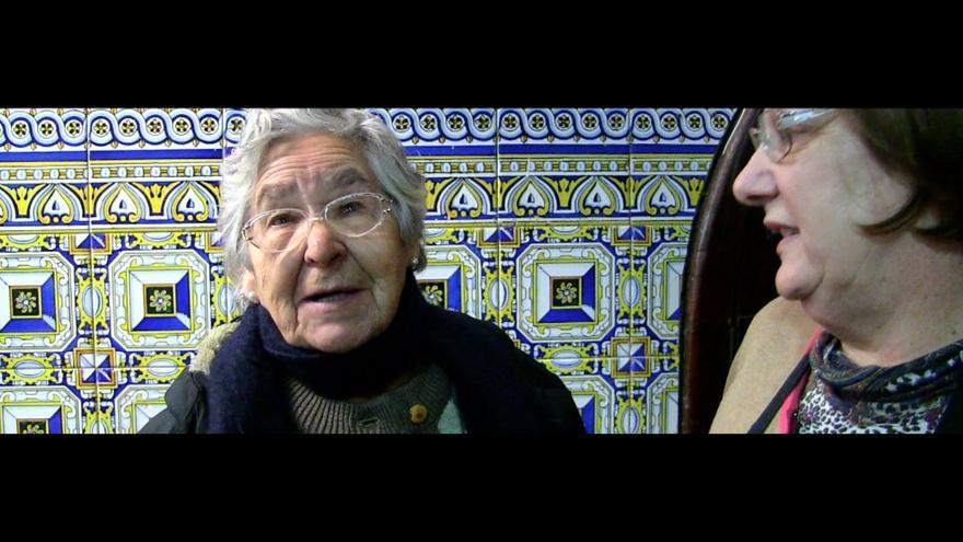 Dos voluntarias de París 365 hablan para el documental / Foto: Dani Albors.