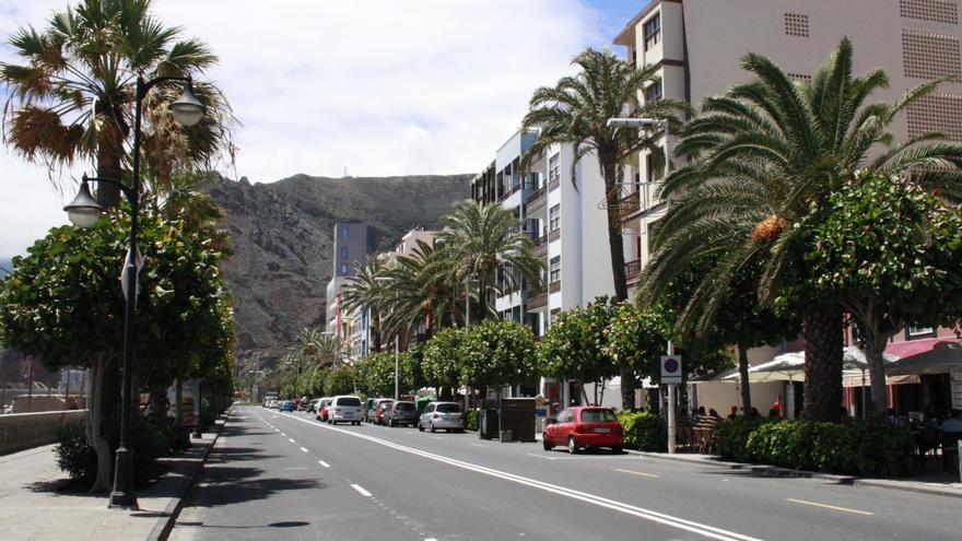 En la imagen, un tramo de la Avenida Marítima de Santa Cruz de La Palma.