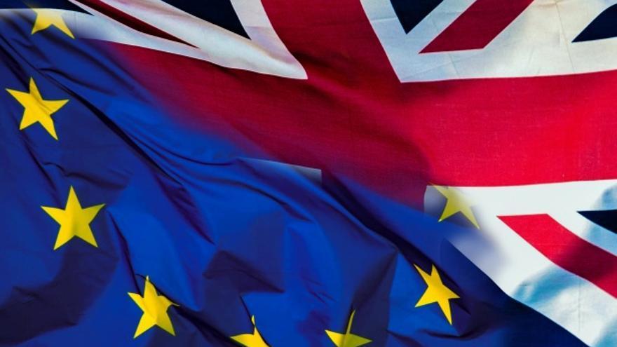 Bandera europea y de Reino Unido.