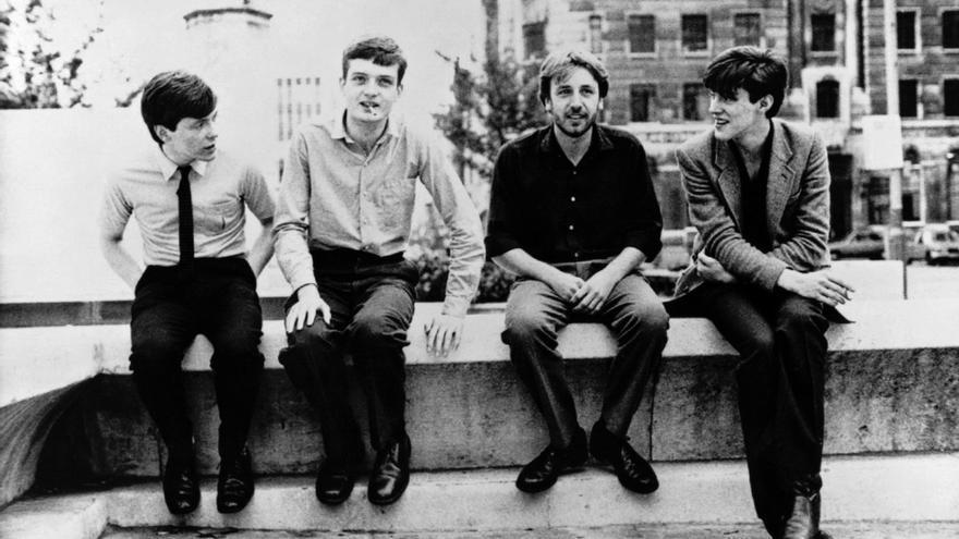 Los cuatro integrantes de Joy Division: Bernard Sumner, Ian Curtis, Peter Hook y Stephen Morris