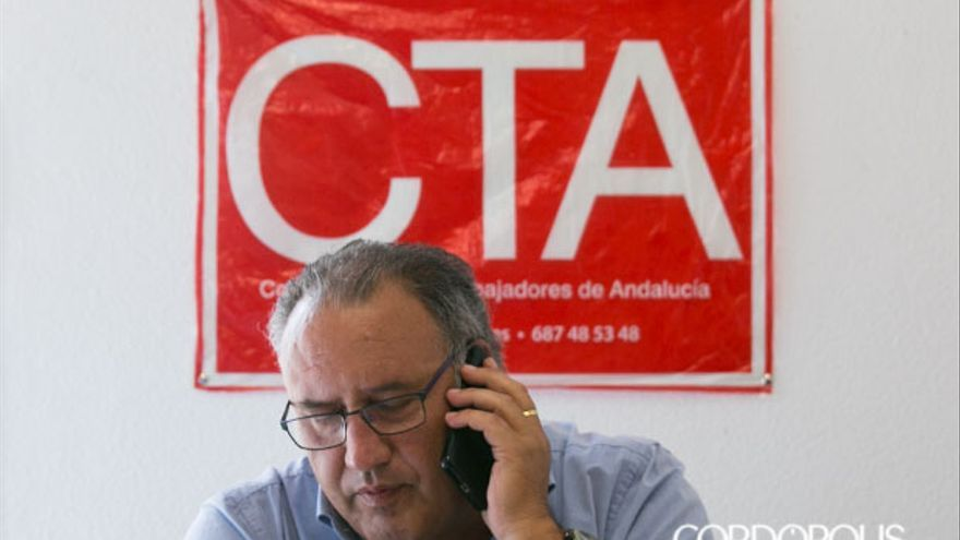 Francisco Moro, en la oficina de CTA en el Ayuntamiento   MADERO CUBERO