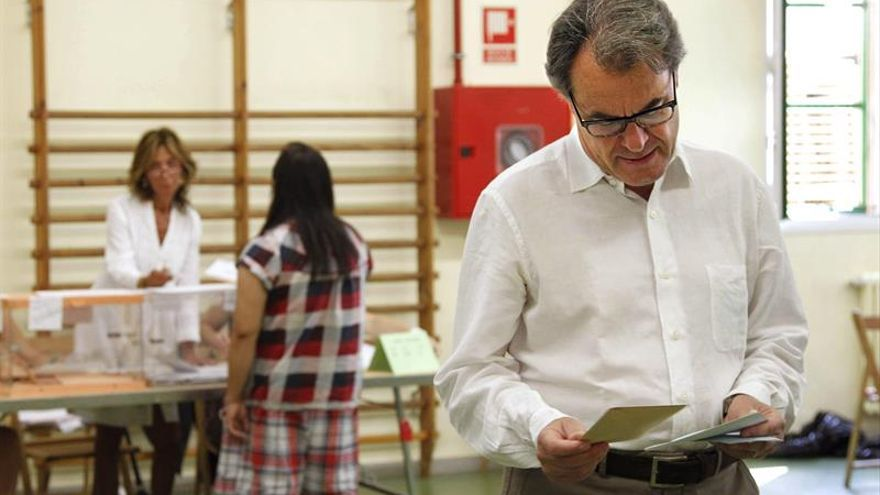 """Mas llama a votar para que Cataluña esté presente en los momentos """"decisivos"""""""