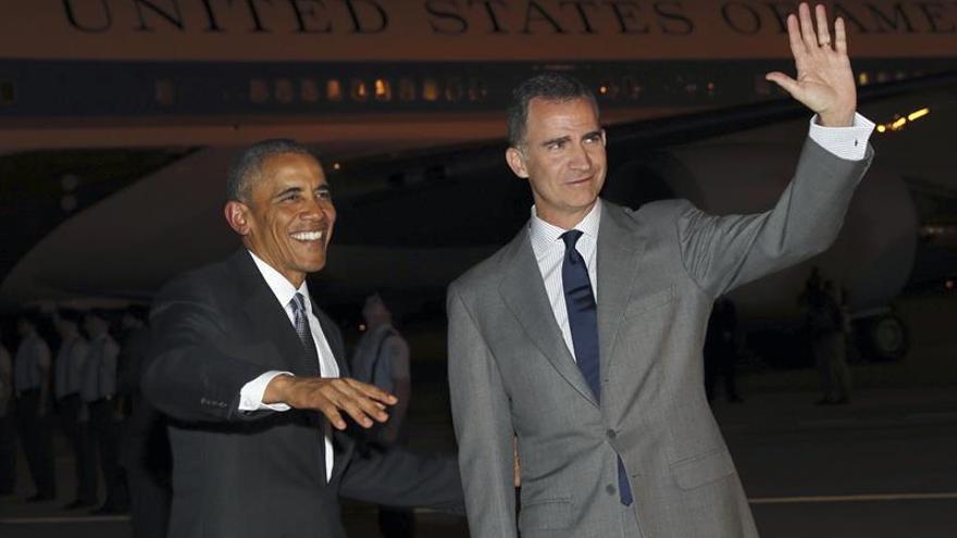 El Rey recibe a Obama a su llegada al Palacio Real, donde se reunirá con él