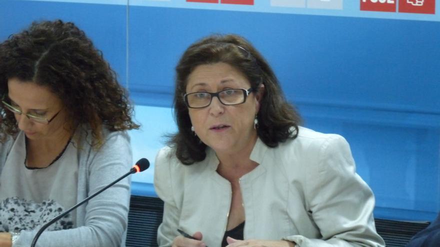 """El PSOE acusa al Gobierno de hacer de """"comercial"""" de los promotores al 'ofrecer' pisos a extranjeros"""