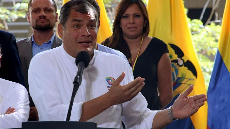 """El presidente de Ecuador quemará con """"alegría"""" el año 2015 en Nochevieja"""