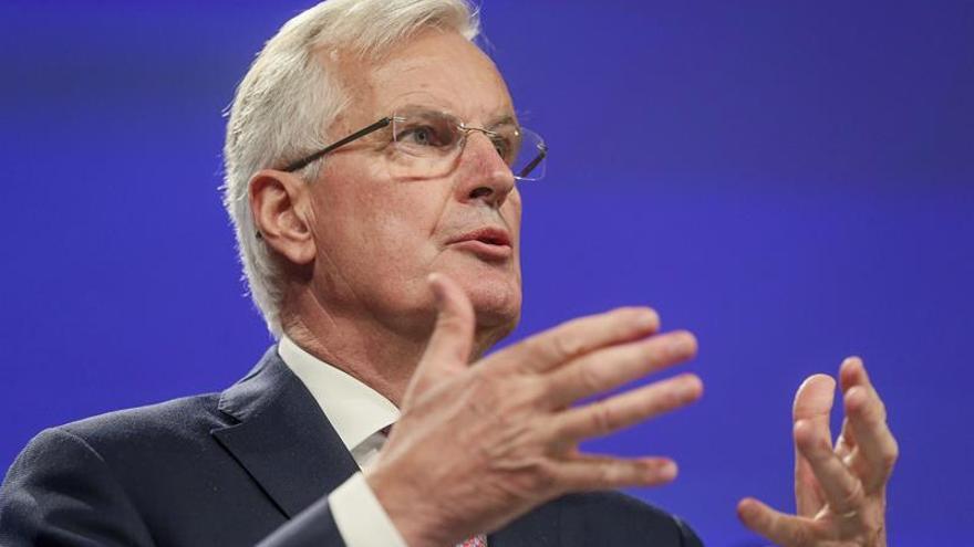 """La UE pide un """"trabajo más sustancial"""" sobre Irlanda en la negociación del """"brexit"""""""