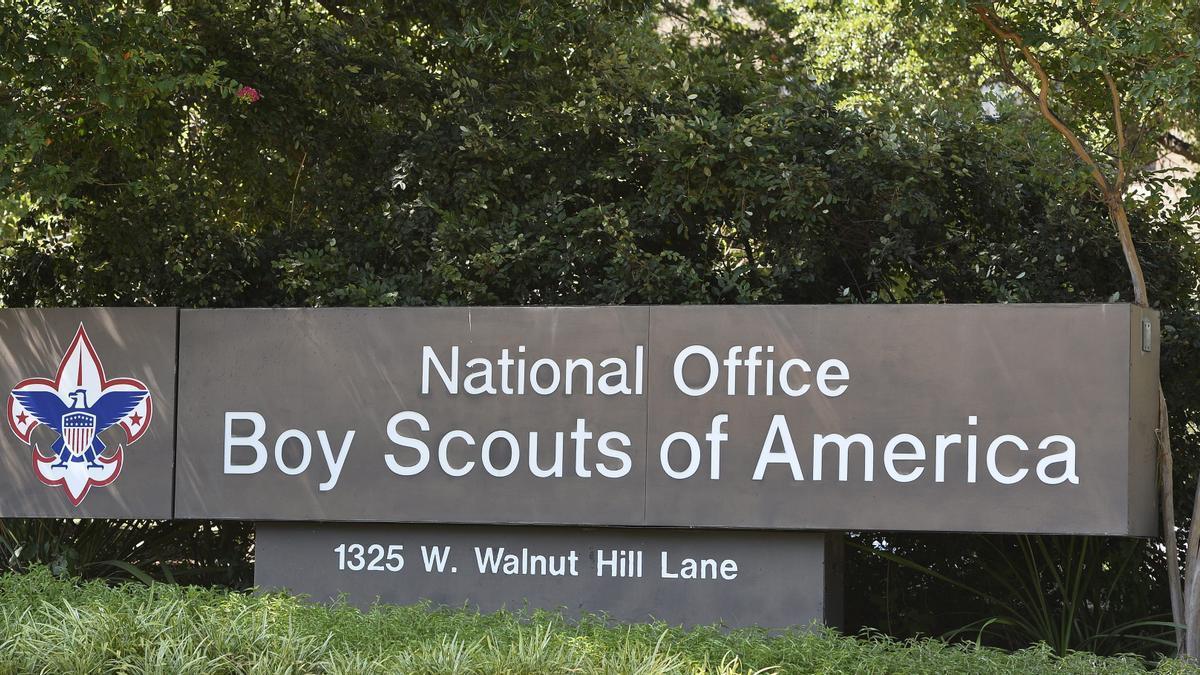 En la imagen un registro del ingreso a las instalaciones principales de los Boy Scouts de America, en Irving (Texas, EE.UU.). EFE/Larry W. Smith