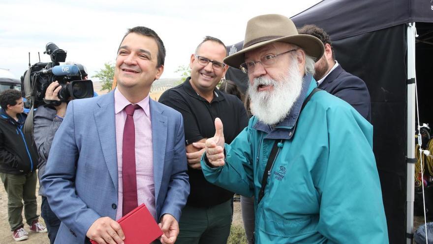 Francisco Martínez Arroyo y José Luis Cuerda. FOTO: JCCM