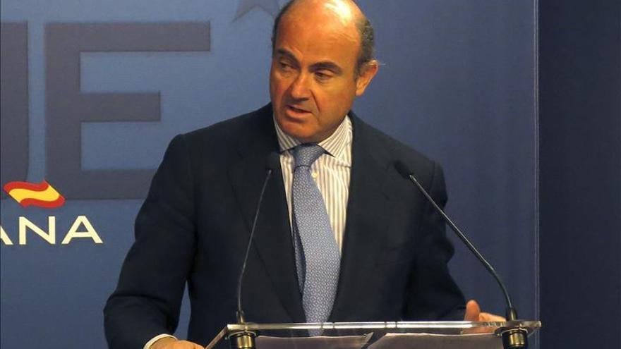 """De Guindos prevé que """"la economía española volverá a crecer en el segundo semestre"""""""