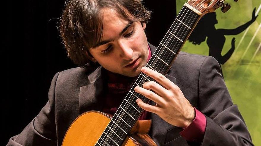 El guitarrista Luis Alejandro García.