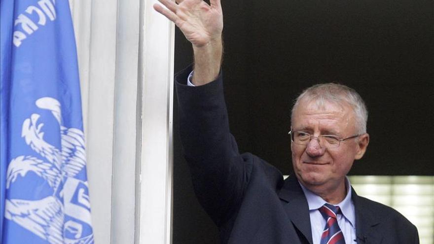 """El líder ultranacionalista serbio Seselj promete """"despedazar"""" al TPIY"""
