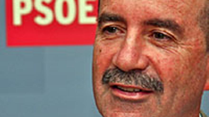 Santiago Pérez, portavoz del Grupo Socialista en el Parlamento.