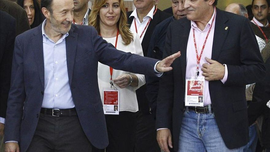 """Fernández subraya que el PSOE debe """"volver a conectar con las clases medias"""""""